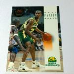 1993-94 SkyBox Premium Seattle Supersonics Basketball Card #172 Gary Payton